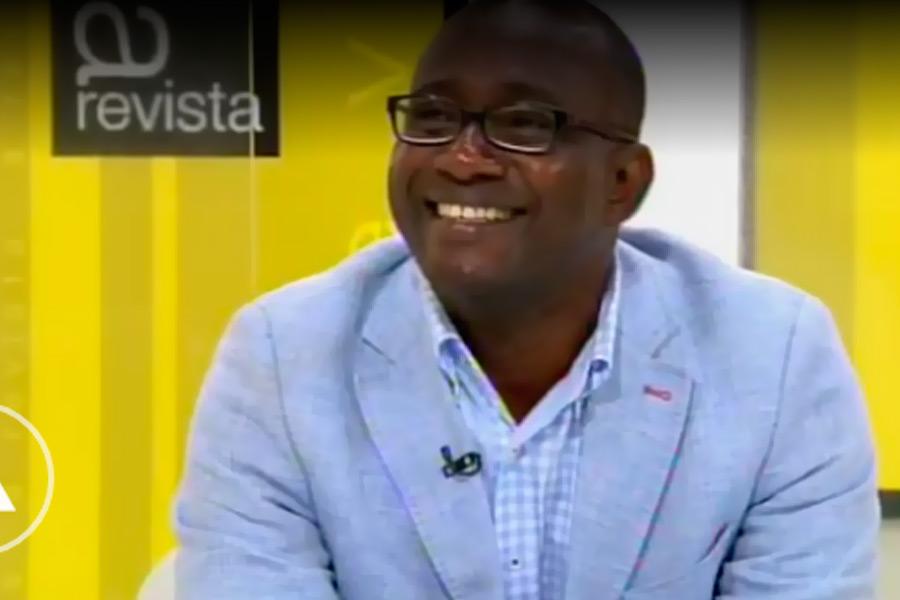 Desiré Kouakou es entrevistado en la Televisión de Galicia
