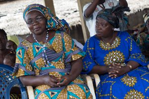 Mujeres de las cooperativas beneficiadas de los microcréditos