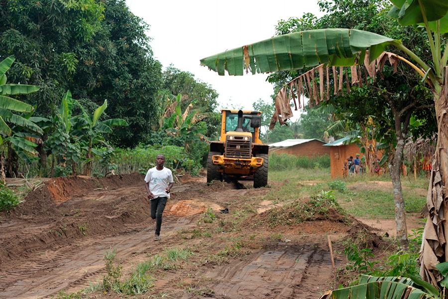 Obras de acondicionamiento de los accesos a la Maternidad de Nandibou