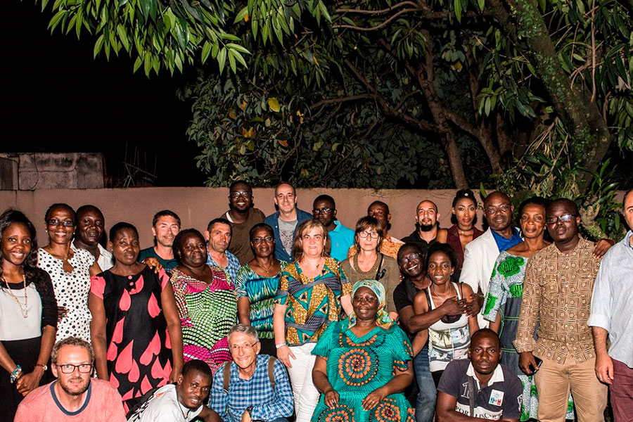 Colaboradores, socios y amigos de Égueire, unidos por el corazón.