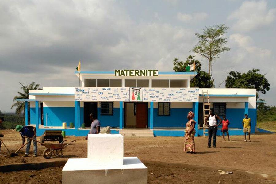 Inauguración centro sanitario, maternidad de Nandibou